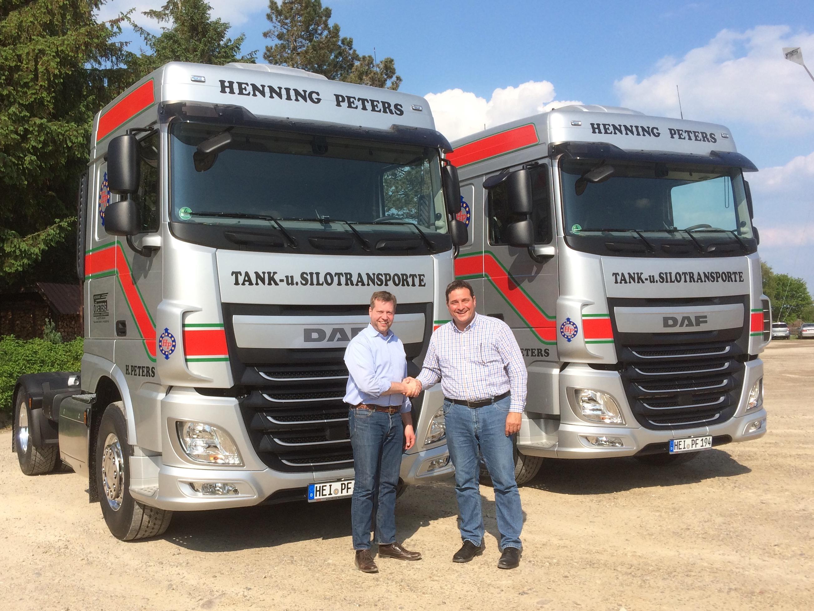 2 neue DAF Fahrzeuge übergeben