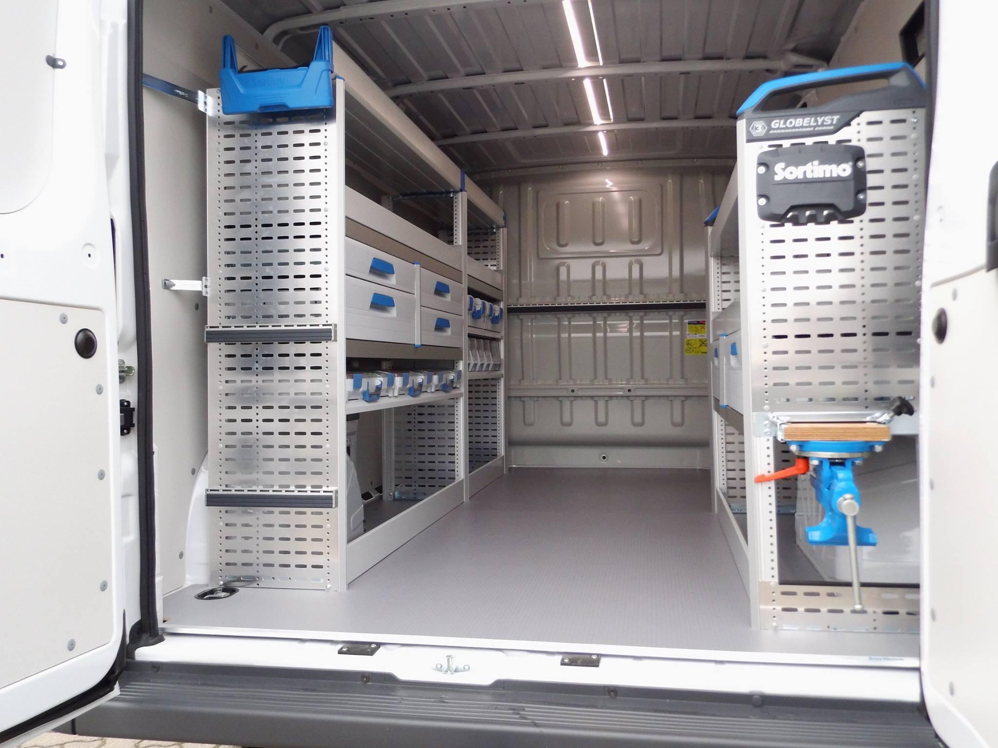 Fahrzeugübergabe an die Ulrich Lohmann GmbH aus Heeslingen