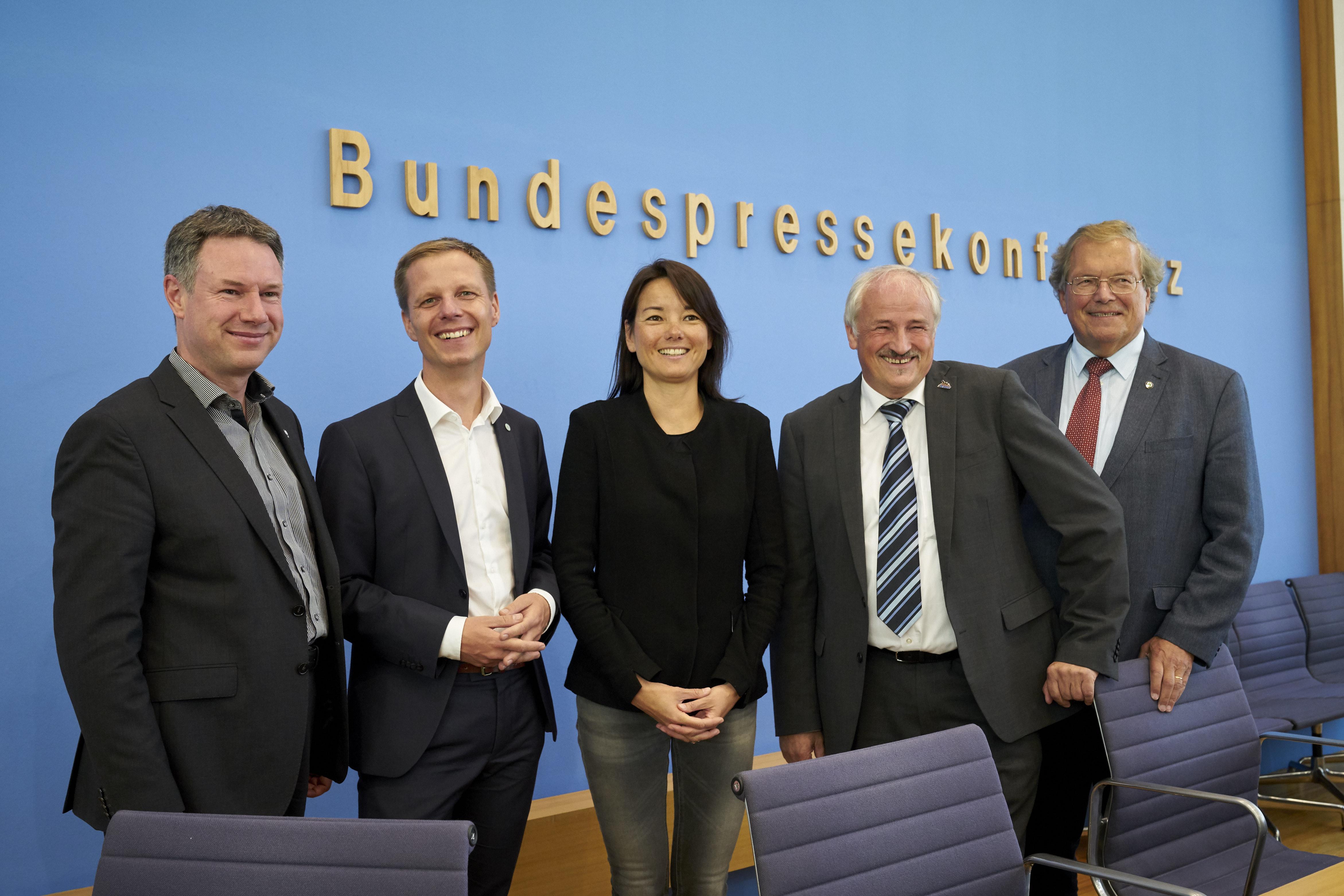 Bilanz der Umweltverbände: Verkehrs-, Agrar- und Klimapolitik unter Kanzlerin Merkel ohne Weitblick / Künftige Bundesregierung muss umsteuern