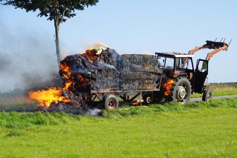 100 000 Euro Schaden bei Traktorbrand in der Oberpfalz