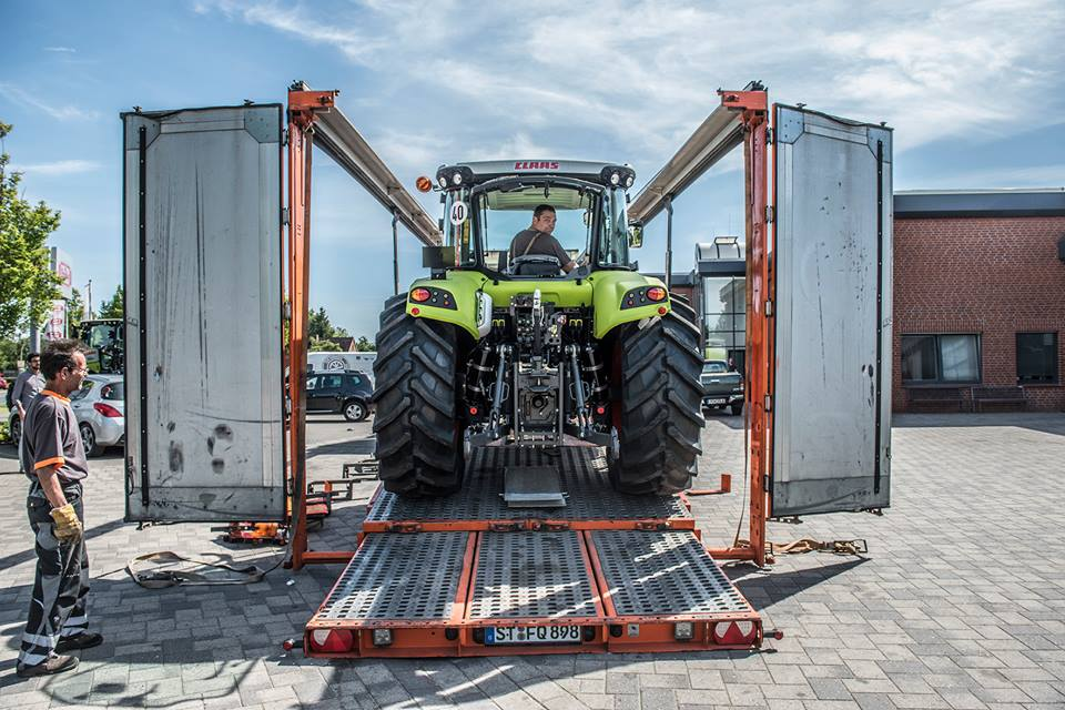 Anlieferung CLAAS ARION 420